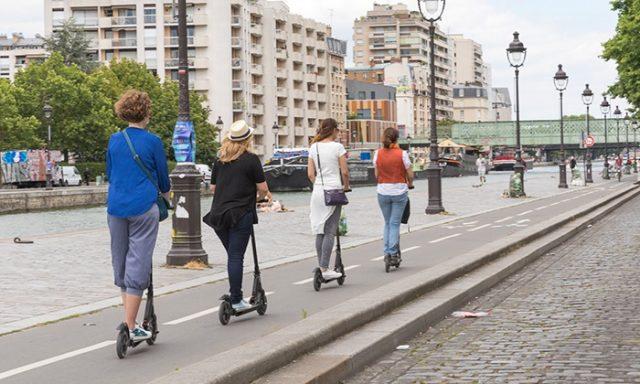Trottinette, vélo ou hoverboard lequel parmi ces véhicules urbains électriques faut-il choisir ?